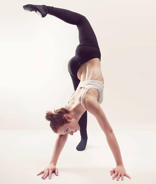 professeur-jazz-ecole-de-danse-studio-pirouette-antibes